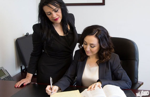 Immigration Lawyer: Why Choose an AILA Attorney?