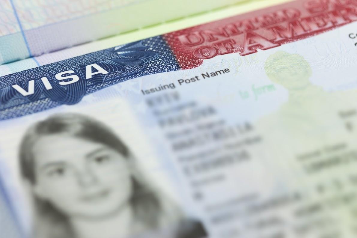 Visa L-1 Vs. Visa EB-5: ¿Cuál es tu Mejor Opción?